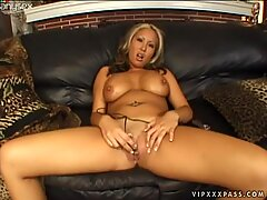 Exotic blonde milf Jazmine Leih is the best cock sucker